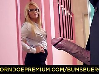 BUMS BUERO - Hot blonde secretary loves to get screwed at work