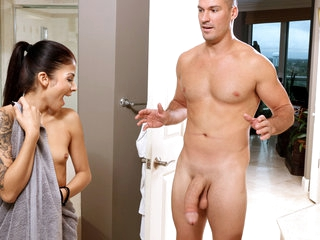 Sadie Pop in Shower..
