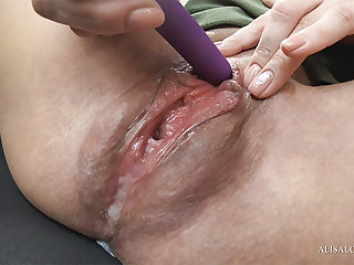 While the guy is fixing the car, she decided to stay inside and masturbate her pussy vibrator.