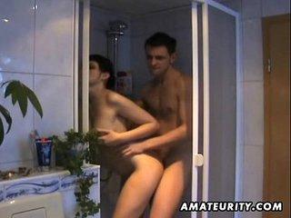 Amateur girlfriend sucks and..